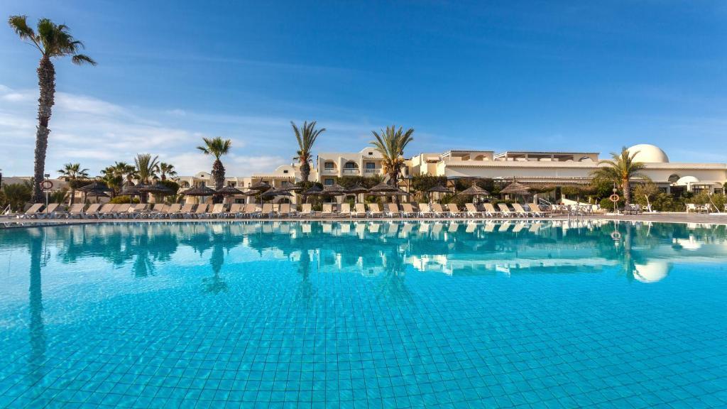 Het zwembad bij of vlak bij Djerba Aqua Resort