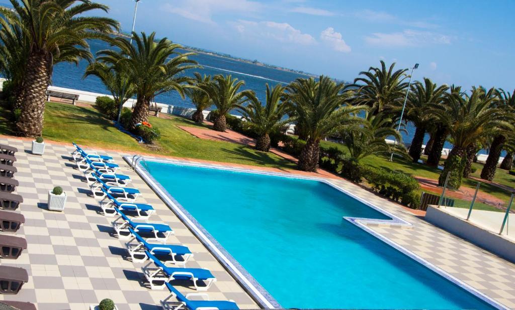 Vista de la piscina de Riabela Inn o alrededores