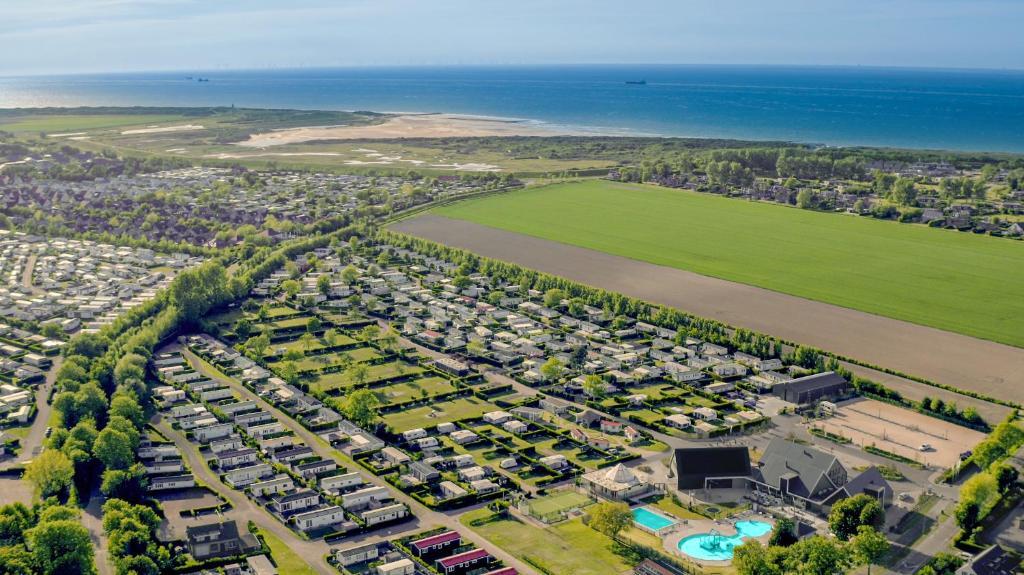 A bird's-eye view of Zonneweelde, Vakantie aan Zee