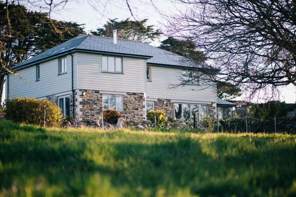 Remarkable 5-Bed House in Countryside near Newquay