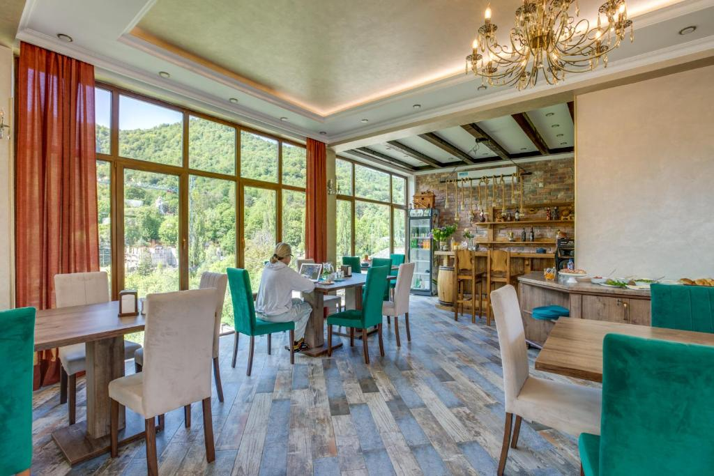A restaurant or other place to eat at ARMENIA GuestHouse
