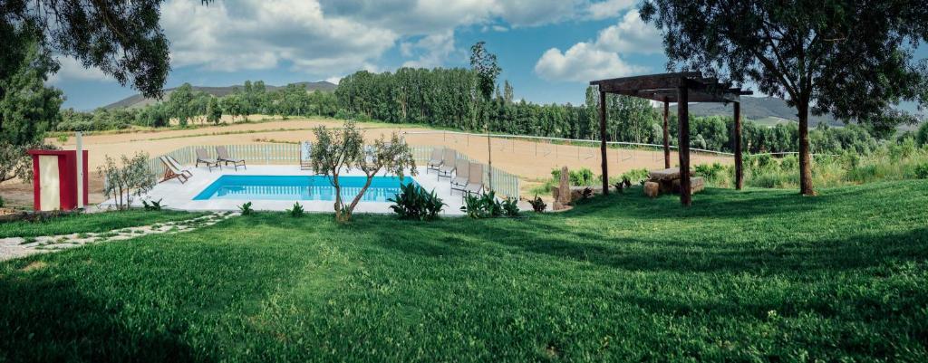 A piscina em ou perto de Quinta Ponte da Capinha