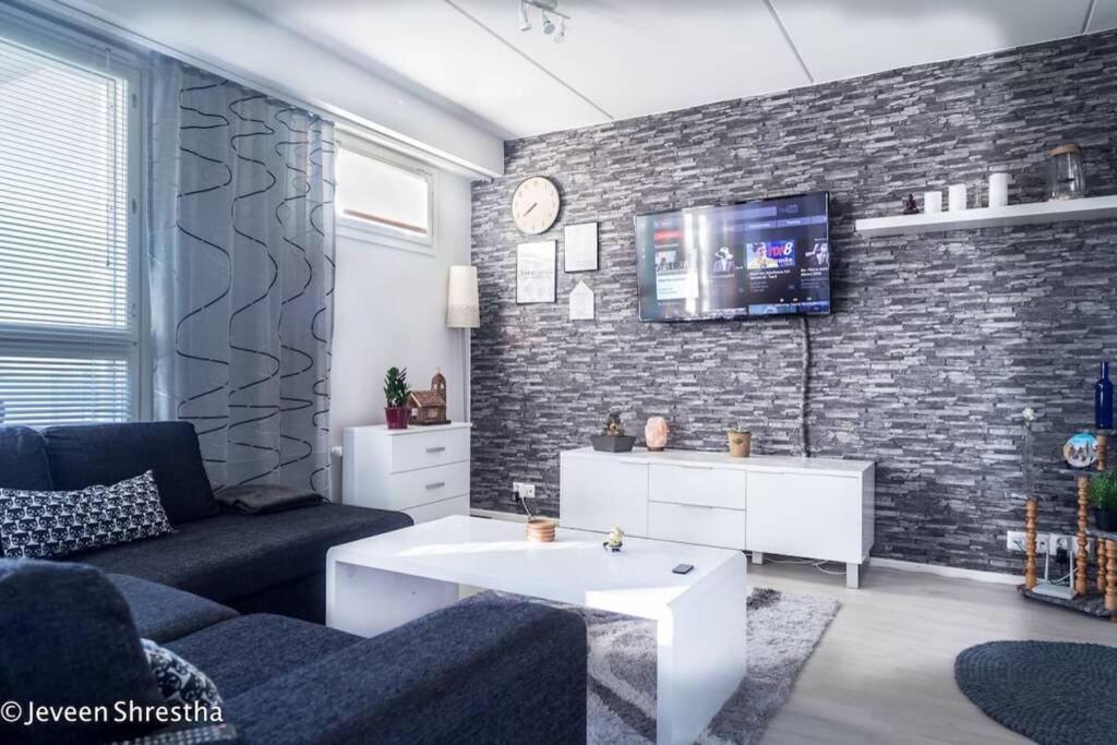 Kylpyhuone majoituspaikassa Amazing Apartment Toppilansaari