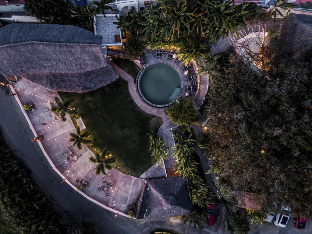 A bird's-eye view of Hotel Maraica San Pancho