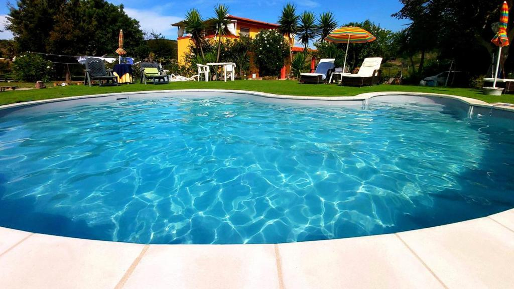 The swimming pool at or near Bed & Breakfast Il Rosmarino