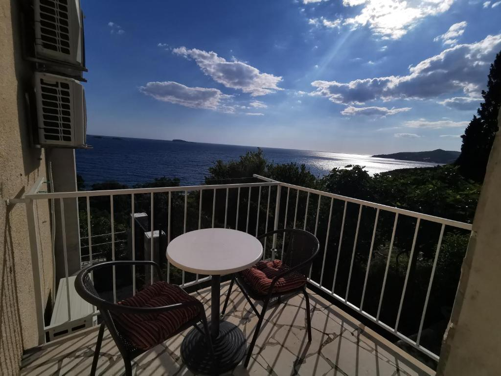 A balcony or terrace at Apartment Lira 2