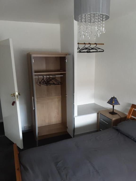 A bed or beds in a room at lyall