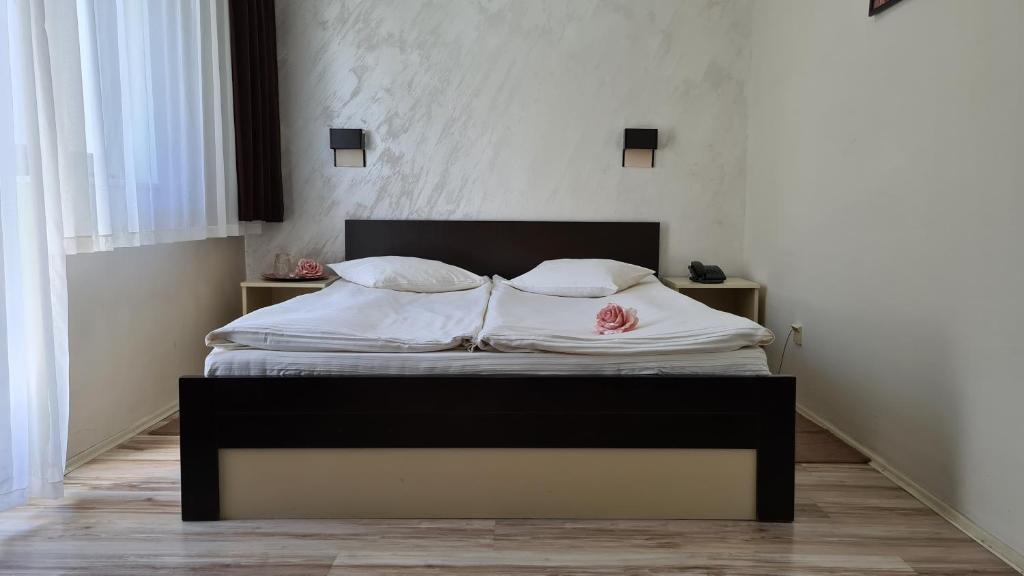 Кровать или кровати в номере Hotel Royal Drina