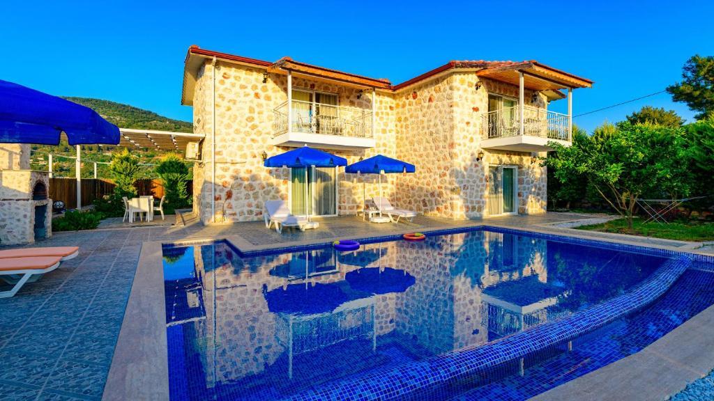 Villa Atilgan- 3 Bedroom Stone Villa in Kalkan