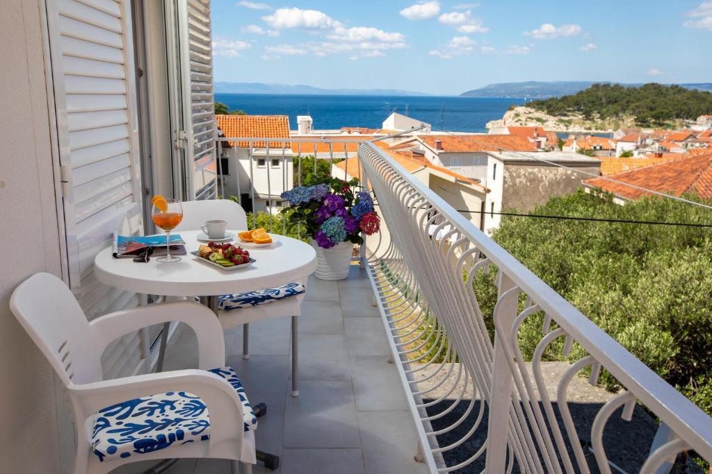 A balcony or terrace at Hortenzija Apartments