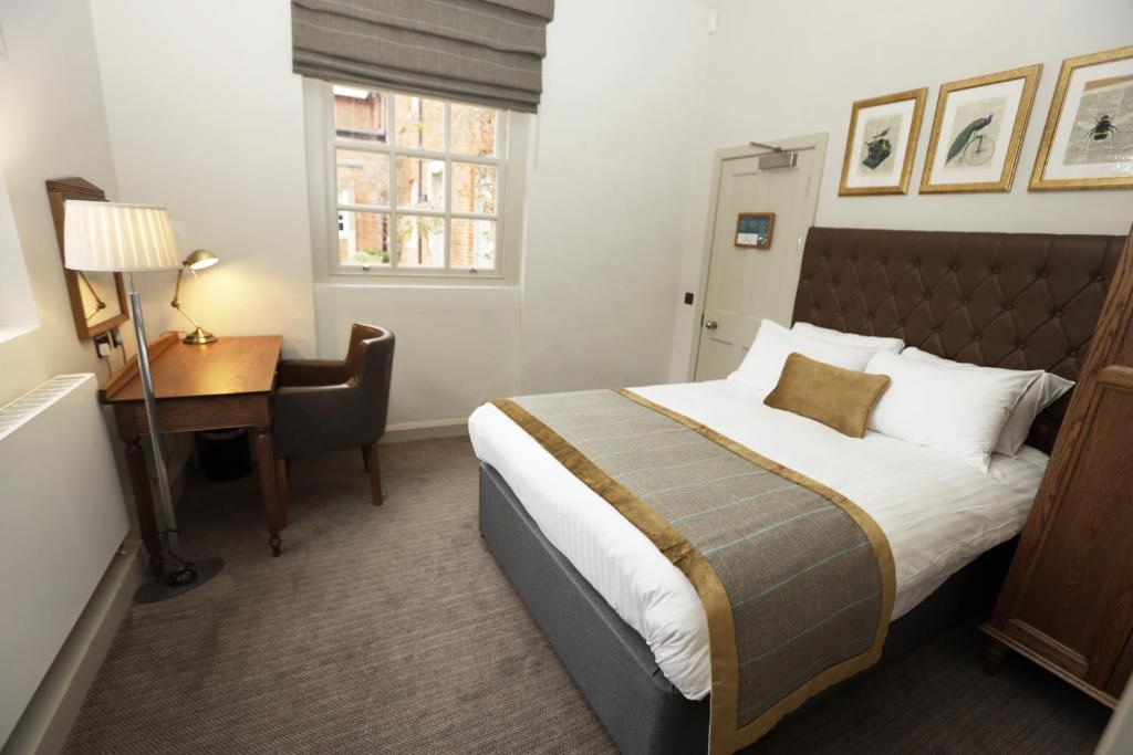Chicheley Hall - Laterooms