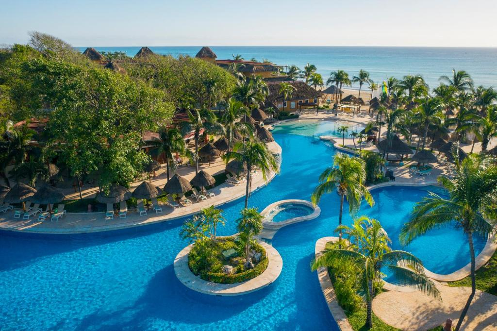 A view of the pool at Iberostar Tucan or nearby