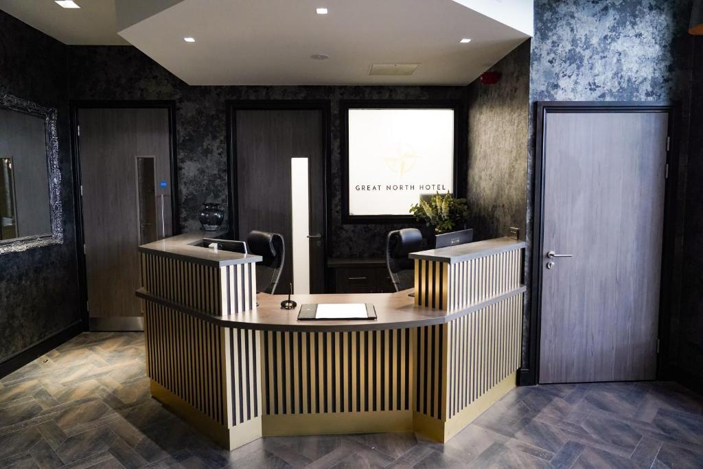 The lobby or reception area at Great North Hotel