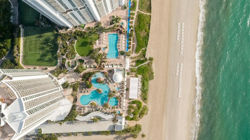 A bird's-eye view of Trump International Beach Resort
