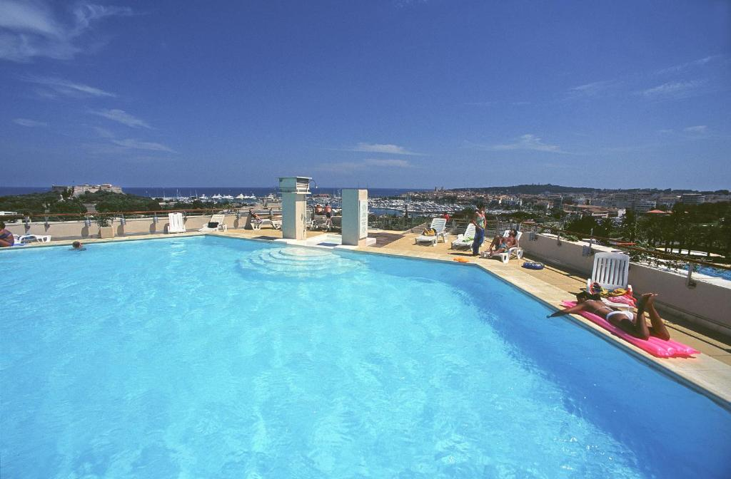 The swimming pool at or near Residence Residéal Antibes