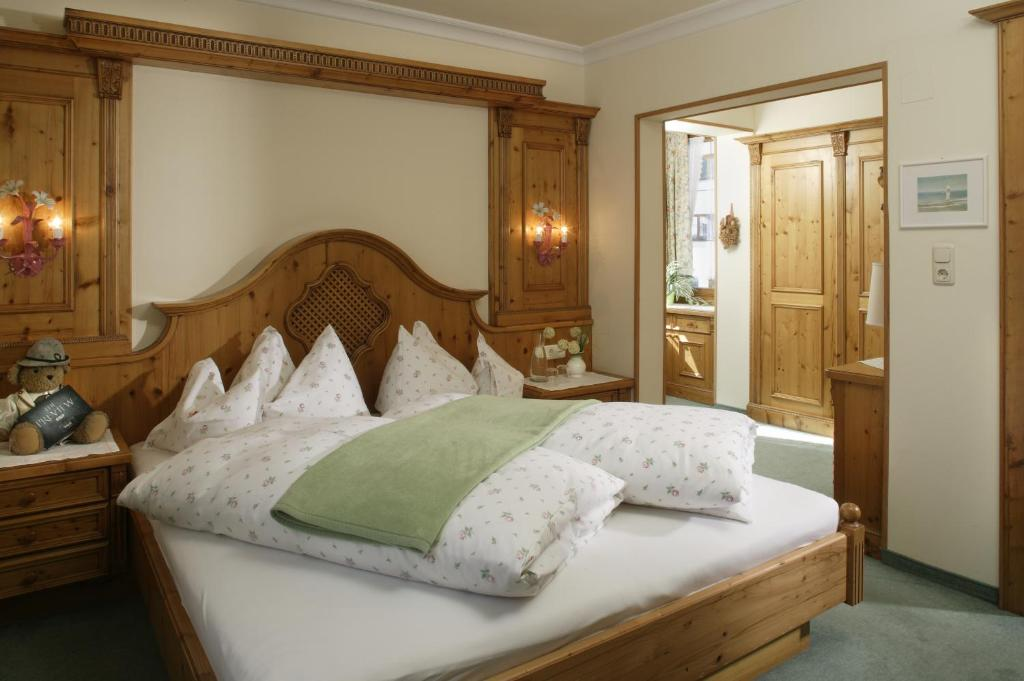 A bed or beds in a room at Montfort