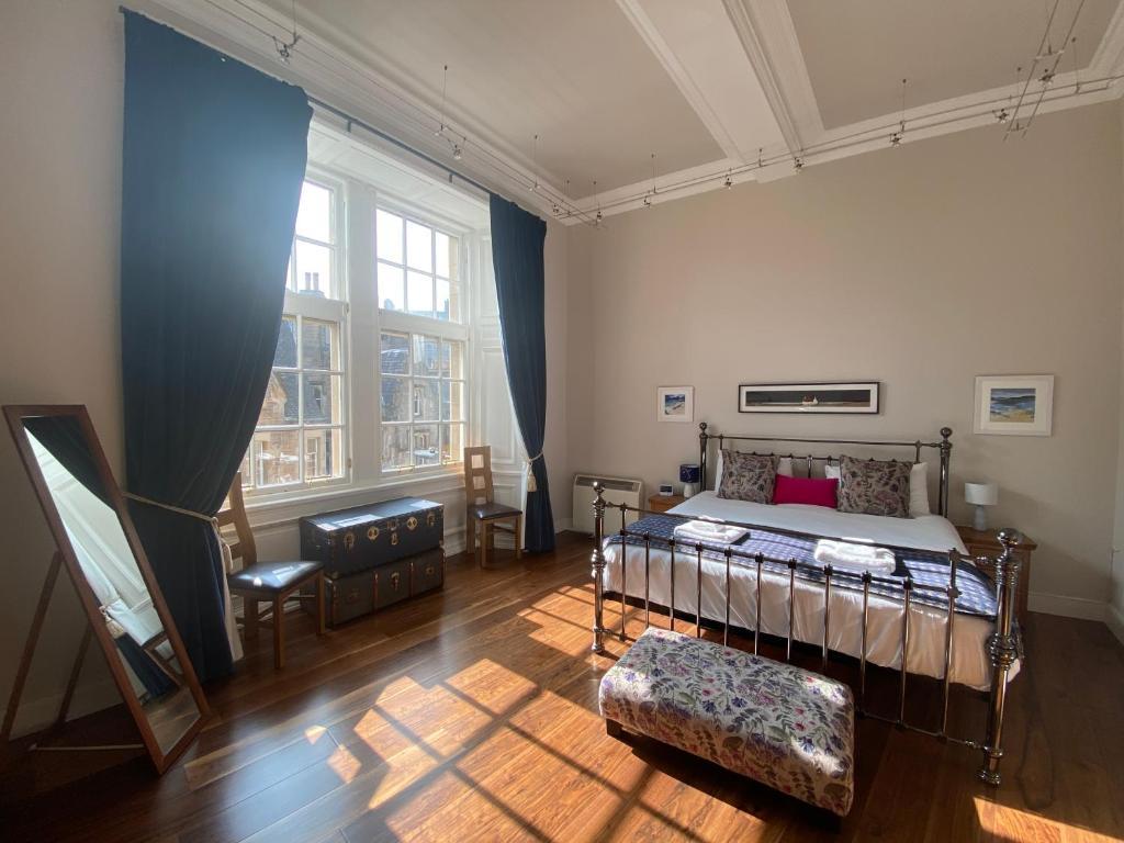 Royal Mile Mansions Apartments in Edinburgh, Midlothian, Scotland