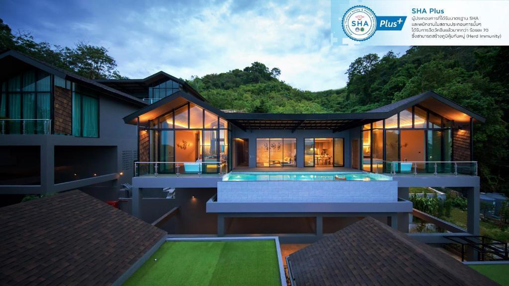 Der Swimmingpool an oder in der Nähe von The Senses Resort & Pool Villas - SHA Plus