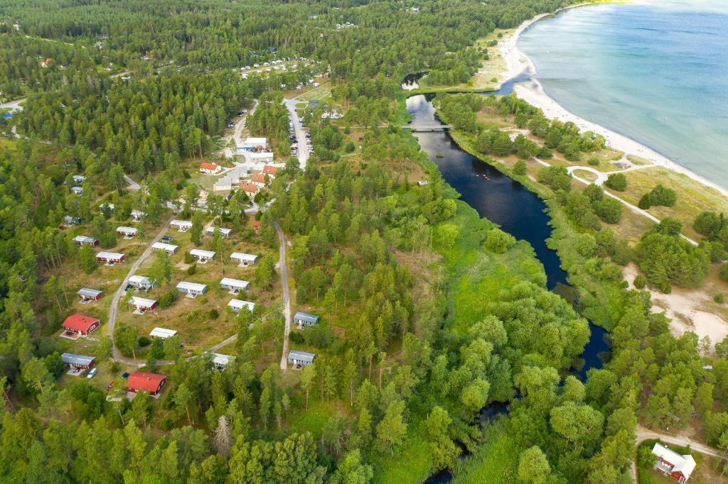 Ett flygfoto av Åminne Fritid & Havsbad AB