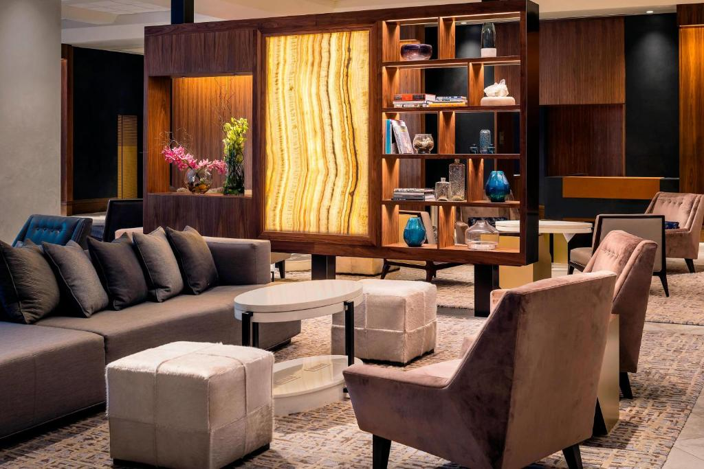 A seating area at The Westin Pittsburgh