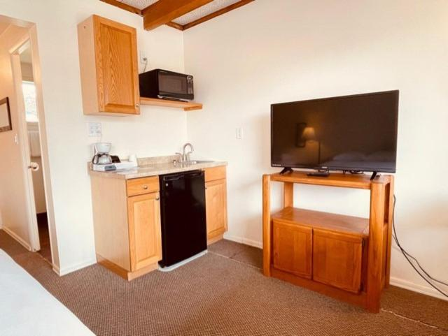 A television and/or entertainment center at Pacific Motel and RV