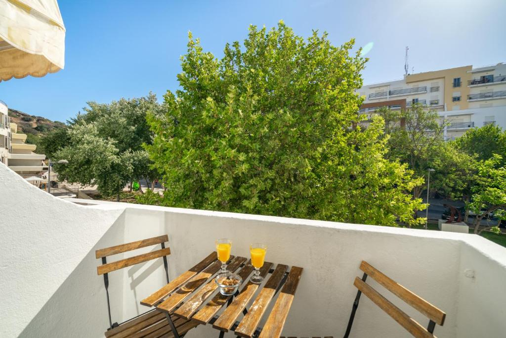 A balcony or terrace at Warm Yellow