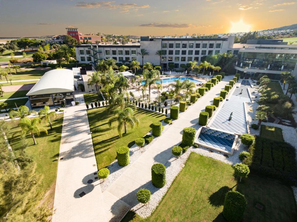 La Finca Resort