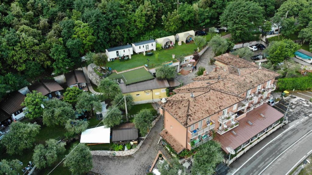 A bird's-eye view of Camping Alpino - Nature Village