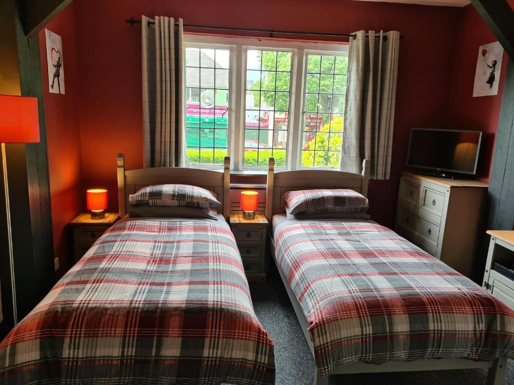 Tudor Lodge Hotel - Laterooms