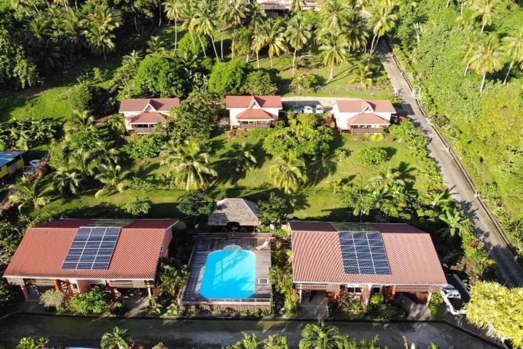 Uma vista aérea de BORA BORA HOLIDAY'S LODGE