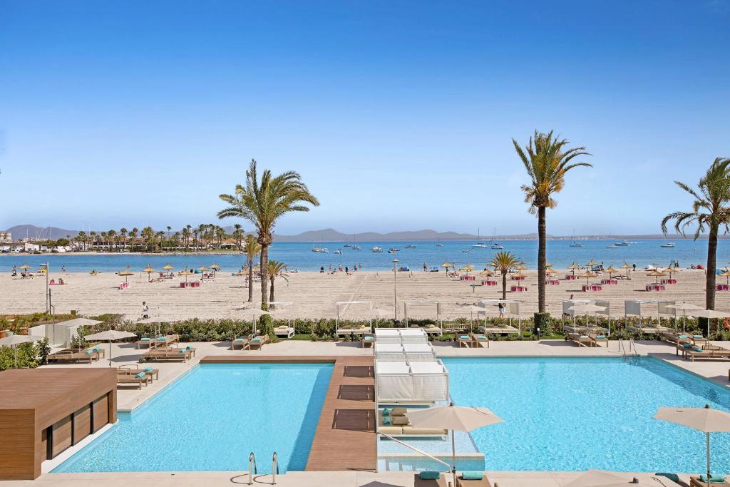 Uitzicht op het zwembad bij VIVA Golf Adults Only 18+ of in de buurt