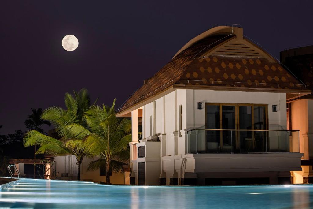 布隆赛热带雨林度假酒店
