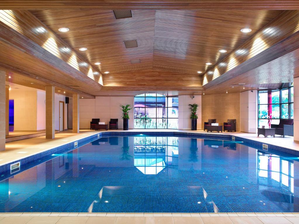 The swimming pool at or near Newcastle Gateshead Marriott Hotel Metrocentre