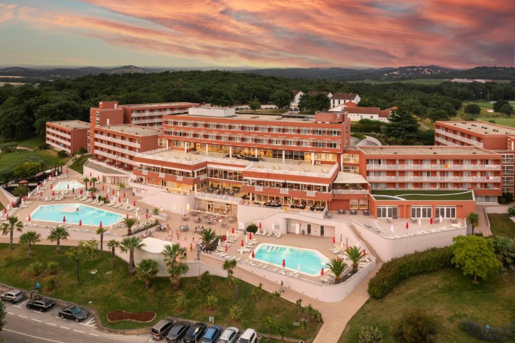 A bird's-eye view of Hotel Albatros Plava Laguna