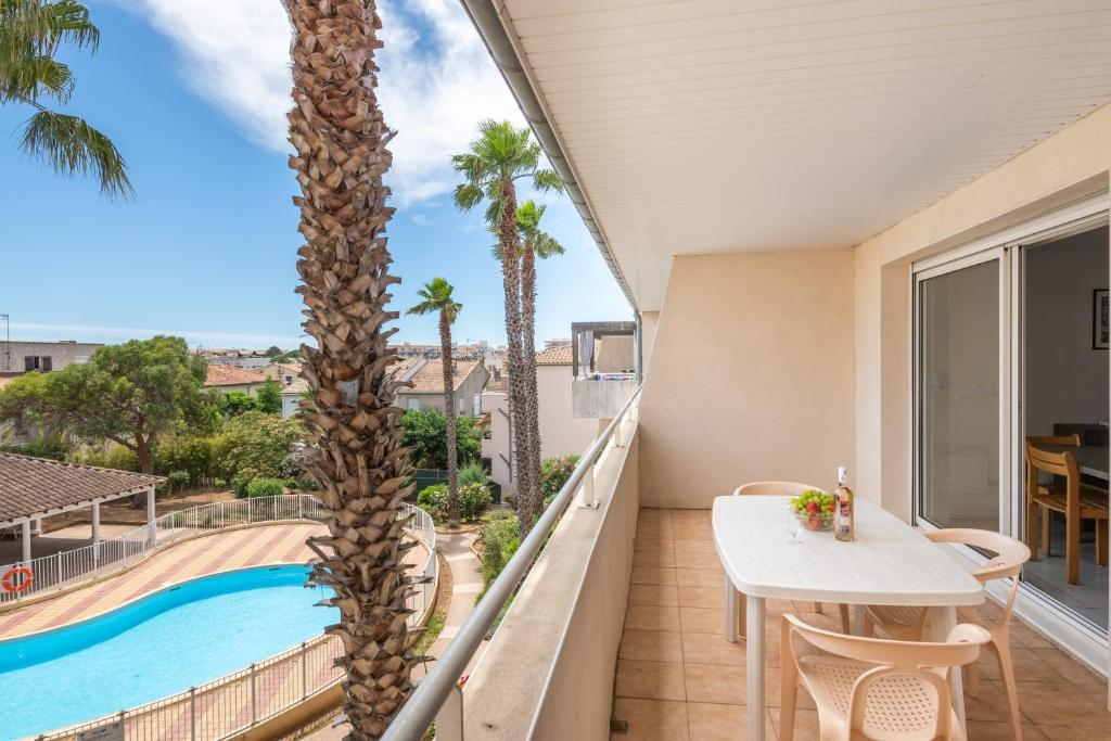 A balcony or terrace at Residence Residhotel Mayflower
