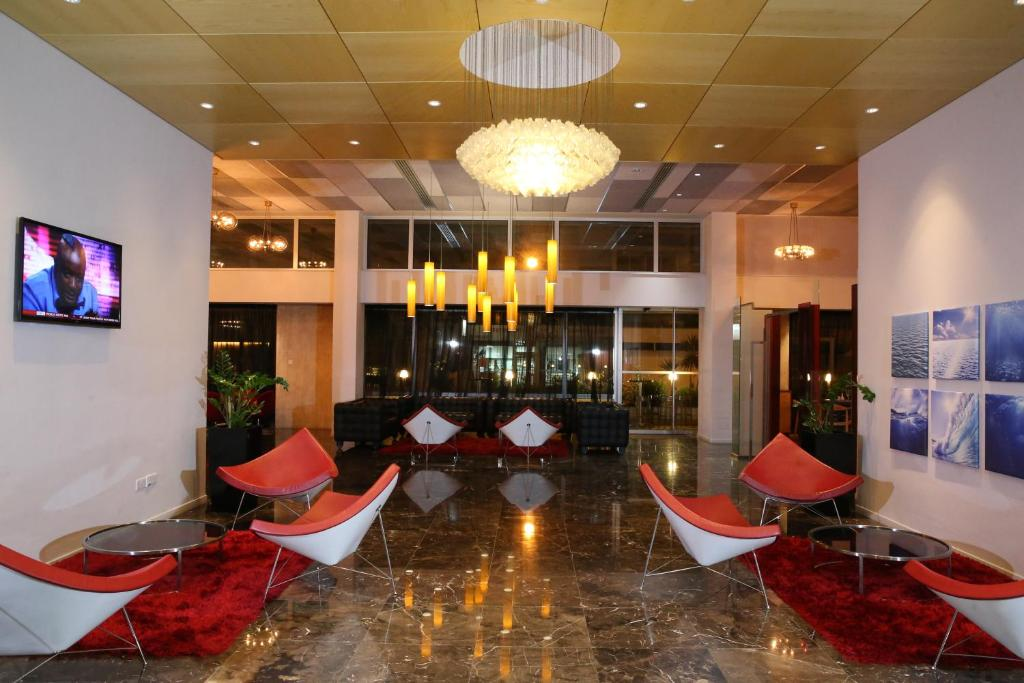 The lobby or reception area at Altius Boutique Hotel