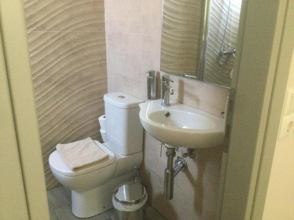Ένα μπάνιο στο Kochyli Hotel