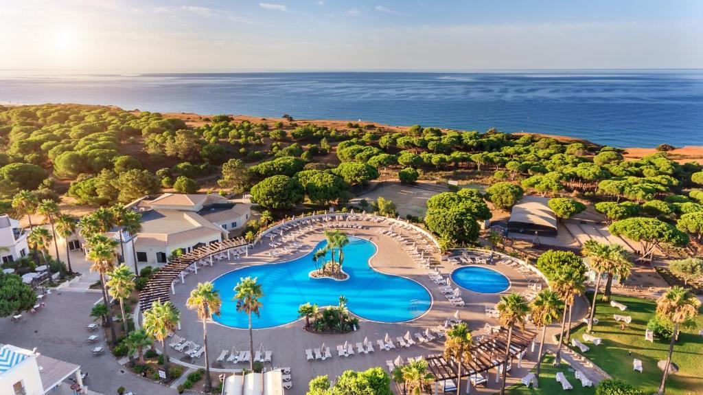 Vista de la piscina de AP Adriana Beach Resort o alrededores