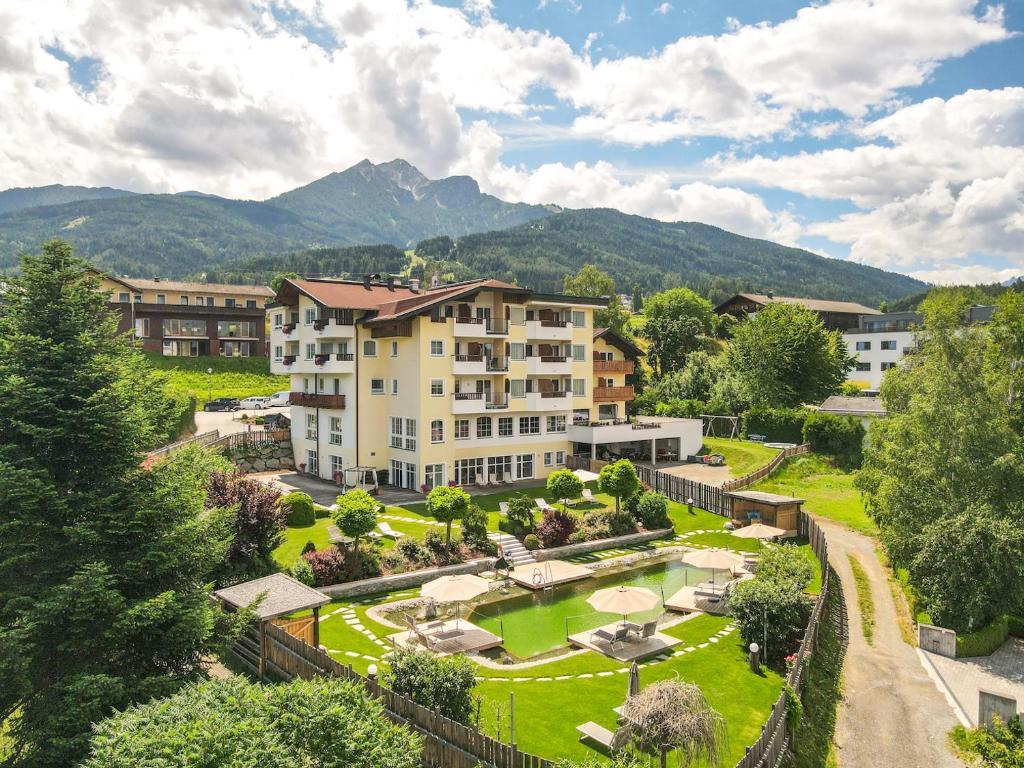 Blick auf Hotel Seppl aus der Vogelperspektive