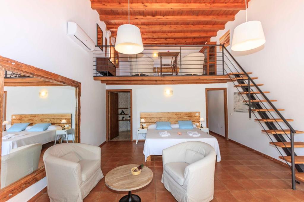 Coin salon dans l'établissement Es Pas Formentera Agroturismo