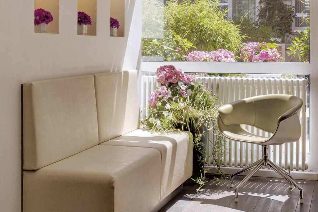 Ein Sitzbereich in der Unterkunft Boutique Hotel Atrium München