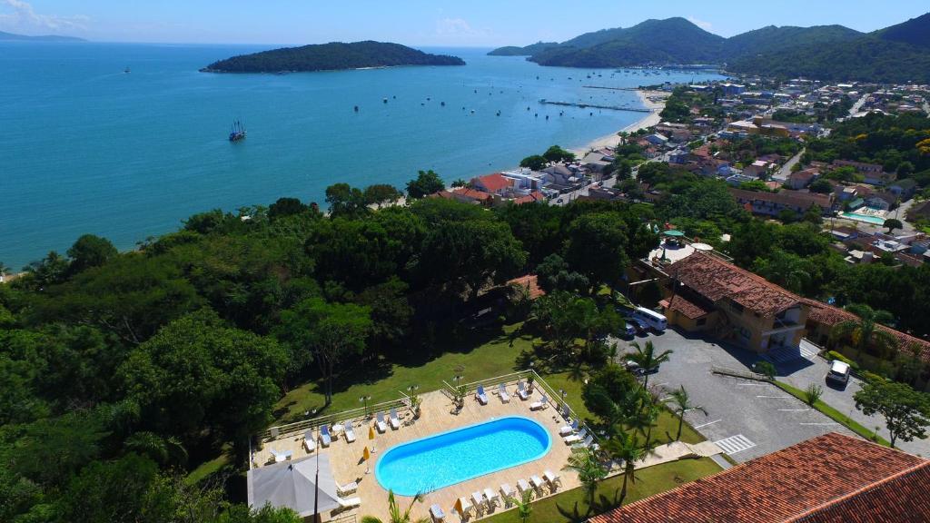 A bird's-eye view of Morro do Sol Hotel & Eventos