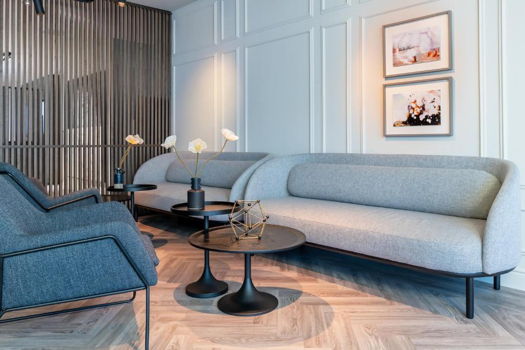 A seating area at Pillows City Hotel Brussels Centre