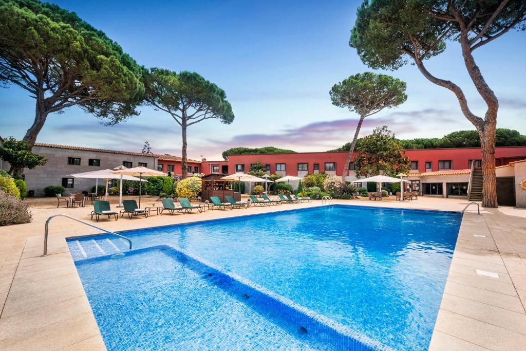 Piscina en o cerca de Salles Hotel Aeroport de Girona