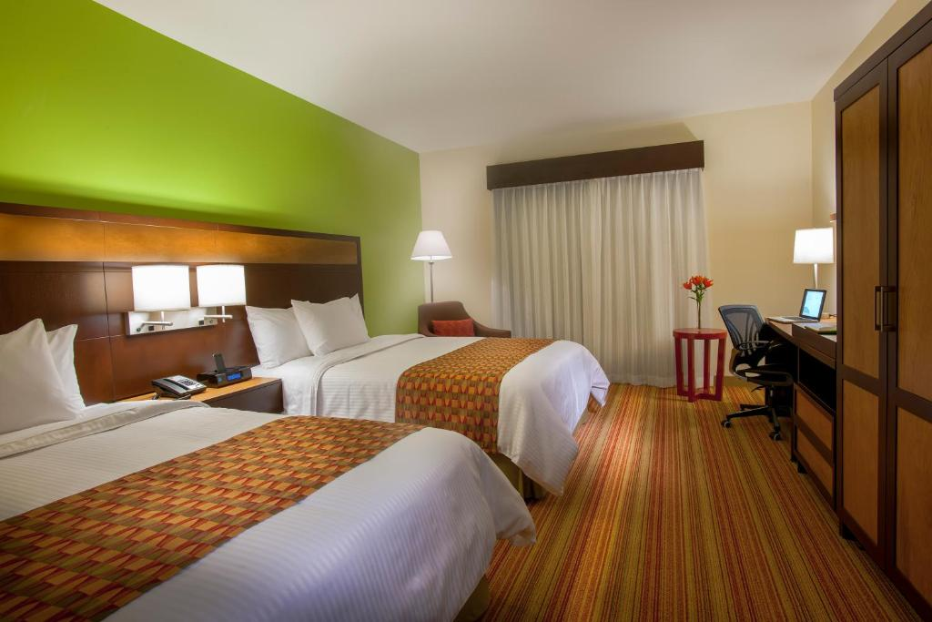 A room at the Courtyard by Marriott San Jose Airport Alajuela.
