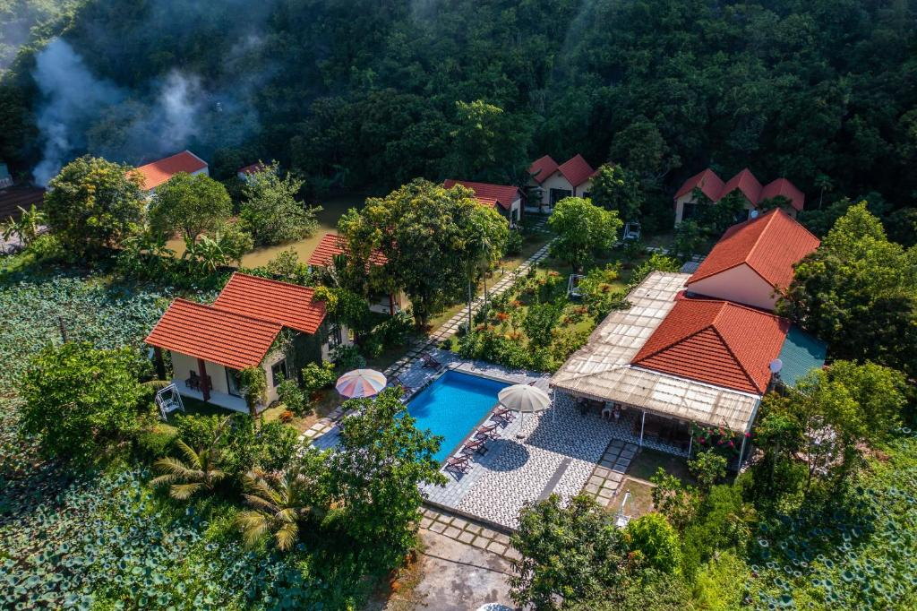 A view of the pool at Trang An Retreat or nearby