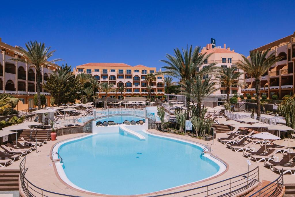 A view of the pool at Mirador Maspalomas by Dunas or nearby