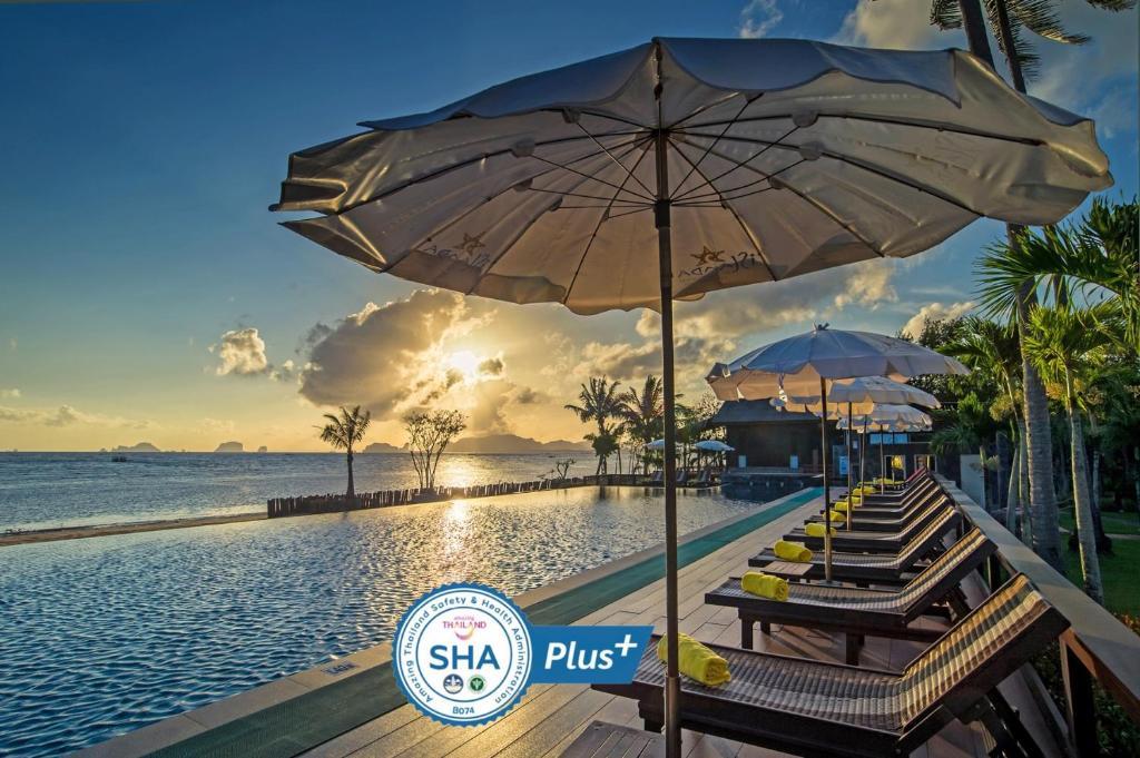 The swimming pool at or near Islanda Hideaway Resort - SHA Plus