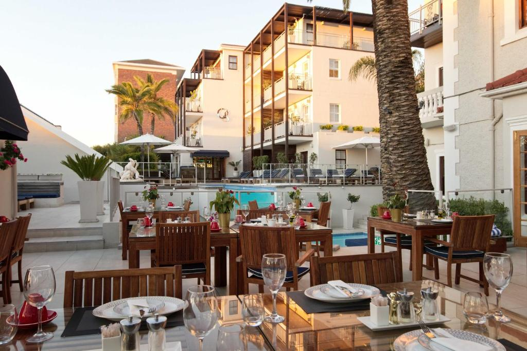 A restaurant or other place to eat at The Glen Boutique Hotel & Spa