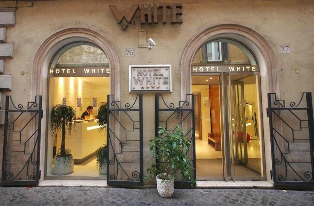Hotel White - Laterooms